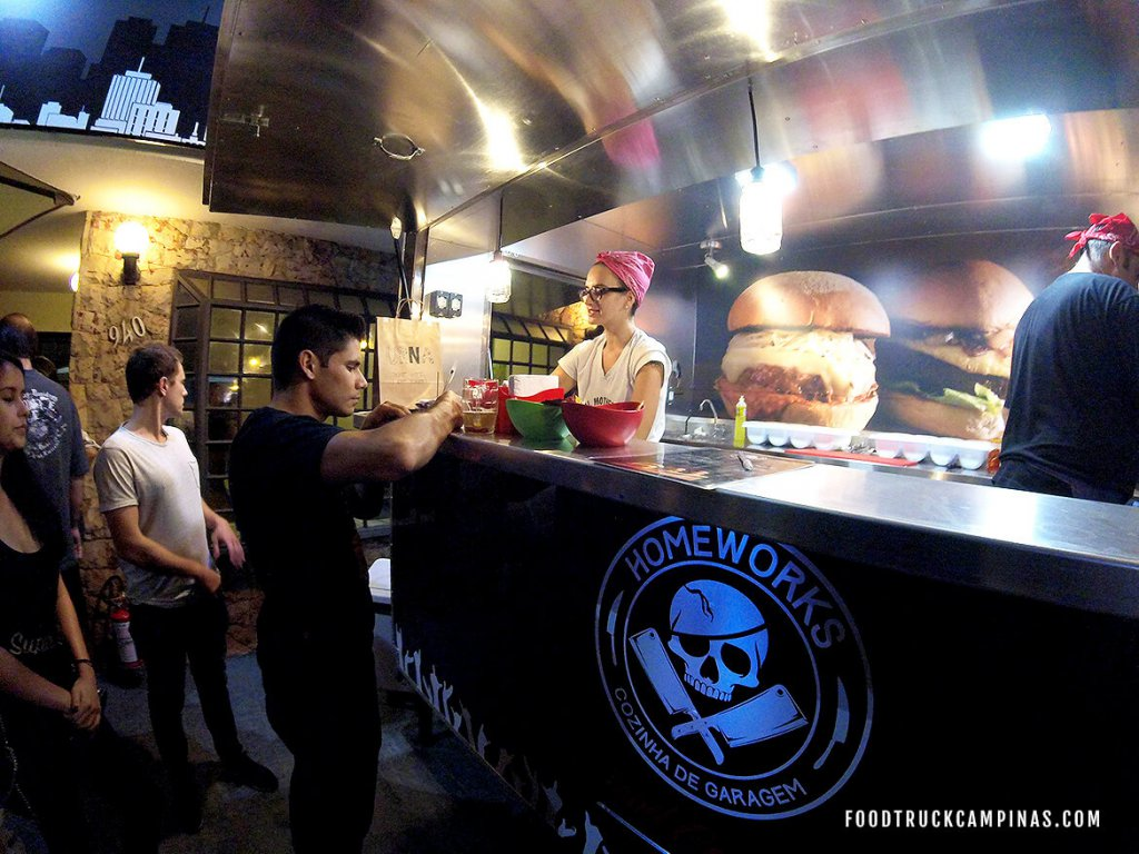 Food Trucks no interior - home-works-cozinha-de-garagem